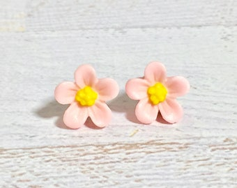 Light Pink Daisy Studs, Pink Flower Earrings, Flower Girl Earrings, Sensitive Ear Studs, KreatedByKelly