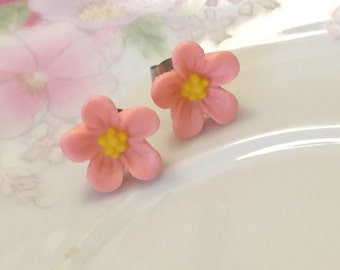 Pink Daisy Studs, Pink Flower Earrings, Flower Girl Earring, Sensitive Ear Stud, Pink Daisy Earring, Bridesmaid Gift Earring