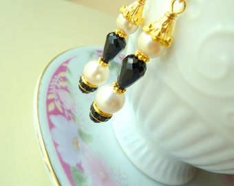 Black and White Earrings, Pearl Wedding Earrings, Black Pearl Earrings, Glass Beads Earrings, Rhinestone Earrings