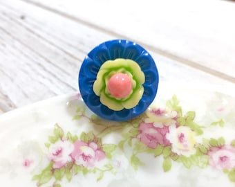 Lime Green Flower Ring, Vintage Assemblage Ring, Floral Statement Ring, Flower Cocktail Ring, Vintage Button Ring, Blue Pink, KreatedbyKelly