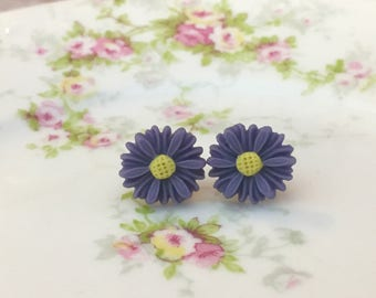 Purple Daisy Studs, Purple Flower Earrings, Purple Daisy Earrings, Bridesmaid Gift Earrings, Affordable Jewelry, KreatedByKelly (LB3)