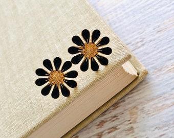 Black Daisy Stud Earrings, Bohemian Retro, Hippie Flower Power, Enameled Metal, 19mm, Gold Accents (SE22)