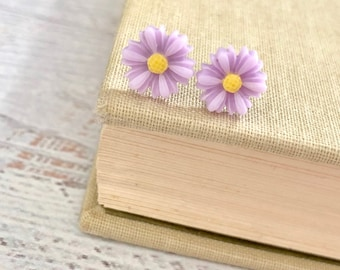 Little Lavender Gerbera Daisy Stud Earrings with Surgical Steel Posts (SE18)