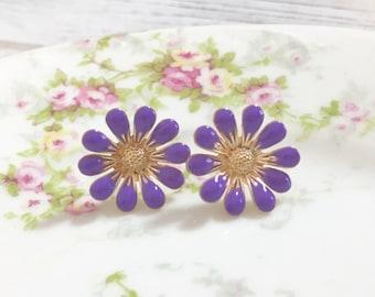 Lavender Daisy Stud Earrings, Bohemian Retro, Hippie Flower Power, Purple Enameled Metal, 19mm, Gold Accents