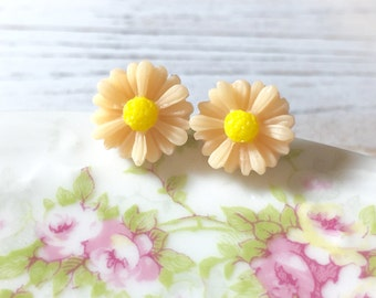 Peach Flower Studs, Peach Gerbera Daisy Studs, Flower Stud Earrings, Resin Flower Earrings, Peach Daisy Studs, KreatedByKelly (LB3)