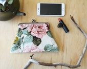 Shabby Chic Roses. Handstitched 15cm WIDE metal kisslock purse clutch. Vintage Floral Fabric.