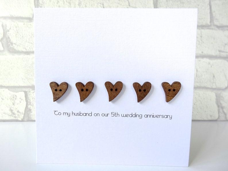 Anniversario Matrimonio Auguri Romantici : 5 matrimonio anniversario carta cuori in vero legno di etsy