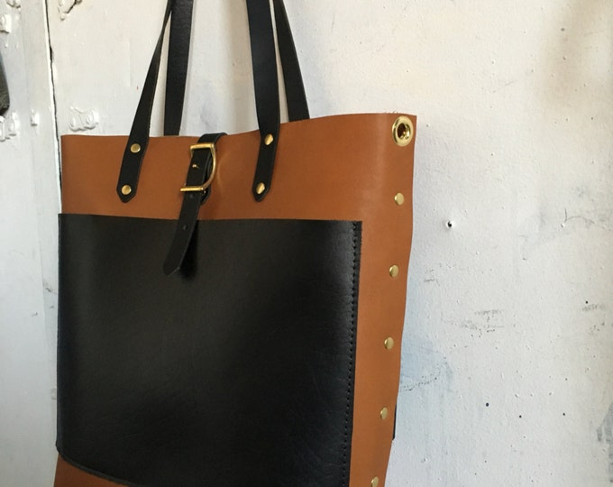 Harbor tote in black and tan