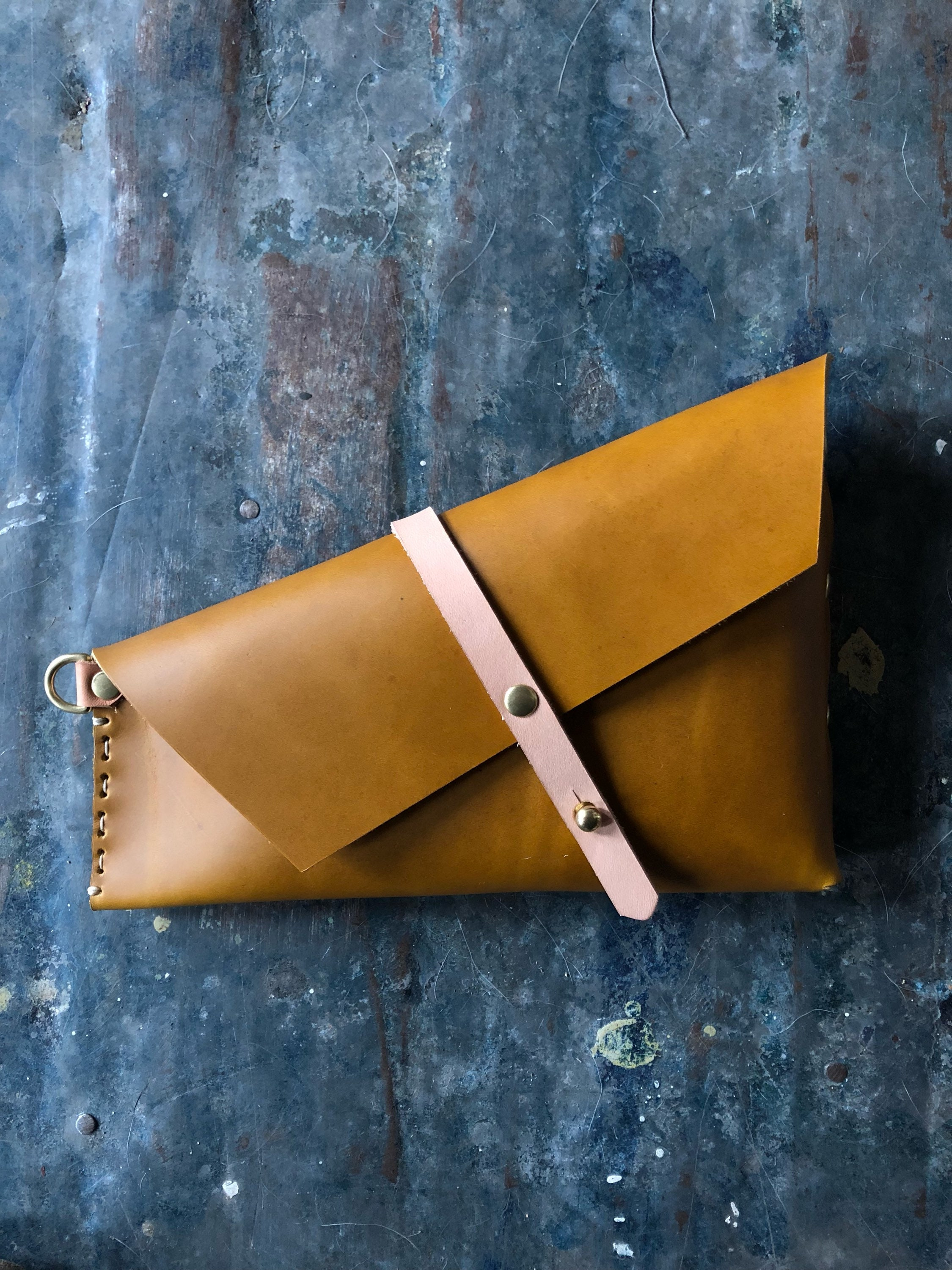 Spring Holster Clutch In Ochre And Pink Island Natural