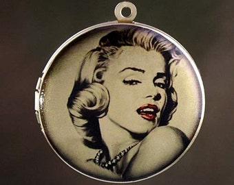 Altered Art PHOTO LOCKET - Marilyn Monroe Glamour- 30mm Art Locket