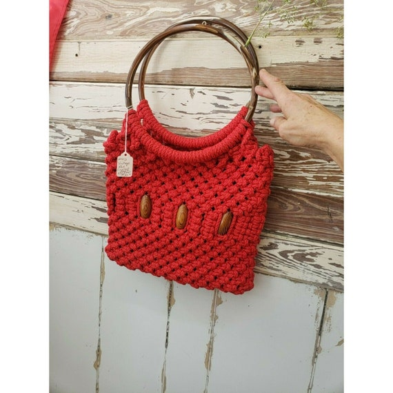 crocheted wood beaded bag - red 1960s crocheted ma