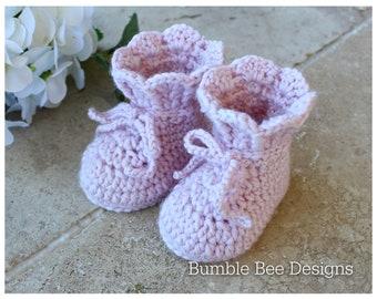 Crochet baby booties, newborn shoes, gift box, baby girl booties, Australian merino wool, baby shower gift, reveal gift, 0-6 months