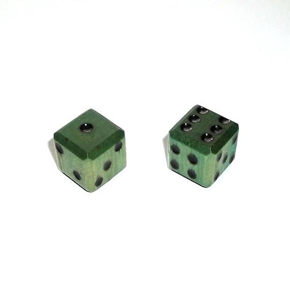 Paire de dés en bois - vert imparfait #1