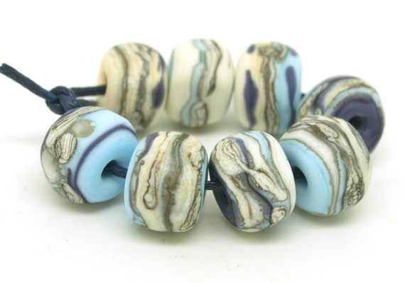 Pale blue, purple and ivory nugget set