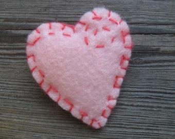 Pretty in PINK HEART PIN felt brooch Valentine