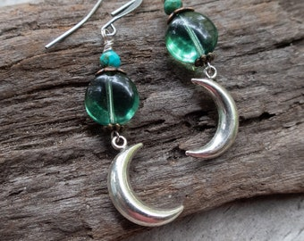 Crescent Moon Earrings | Silver Moons | Green Czech Glass | Woodland Wedding | Moon Lover Jewelry l Silver and Green | Earrings Under 25