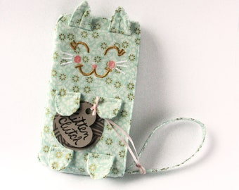 Kitten Clutch / Angelica. Blue cat wristlet. Gift for mom. Mom life purse. Cat bag. Unique gift ideas under 50. Cute cat clutch. Fun clutch.