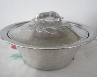 Everlast Bowl with Pea Pod Lid Hammered Aluminum