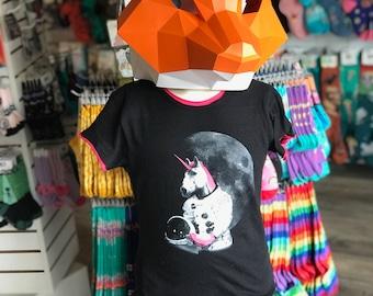 Youth Shirt: Astronaut Unicorn With Rollerskates - Kids Youth Shirt - Pink Trim