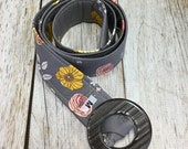 Women's Fabric Belt - Gray Background with Pink and Yellow Flowers
