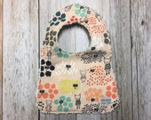 Baby Girl Bib in Flower S...