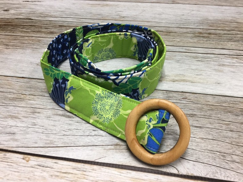 Women's Fabric Belt  Navy Blue and Lime Floral Pattern image 0