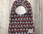 Baby Girl Bib in Squirrel and Hearts Fabric - Baby Show...