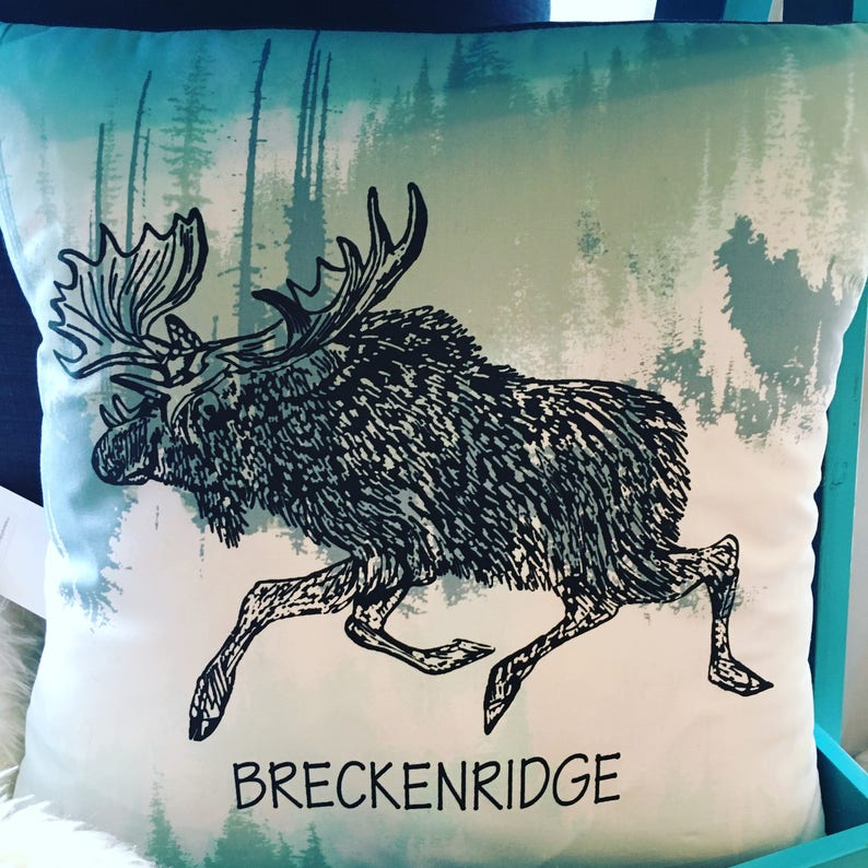 Pillow Cover 14 : Moose on the Loose image 0