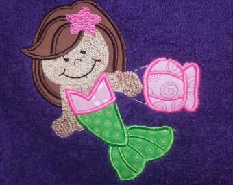 Personalized Mermaid hooded towel, Mermaid towel, hooded towel, embroidered hooded towel, personalized hooded towel, applique mermaid towel,