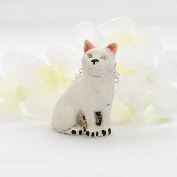 "NEW! .75/"" RESIN WHITE KITTY CAT POST EARRINGS~PERFECT!"