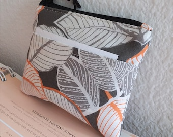 Mini Coin Purse, Small Zipper Pouch, Small Wallet, Card Holder - Padded Zipper Pouch  Leaves