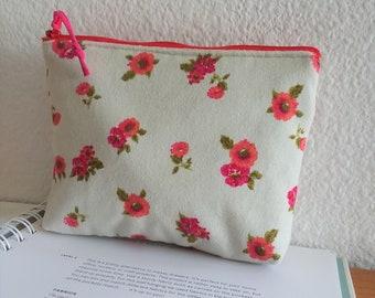 Cosmetic Bag, Zipper Pouch, Clutch Purse, Wallet, Bridesmaid - Padded Zipper pouch Pink Flower