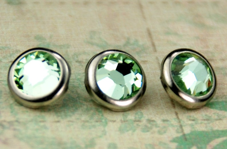 10 Chrysolite Crystal Hair Snaps  Round Silver Rim Edition  image 0