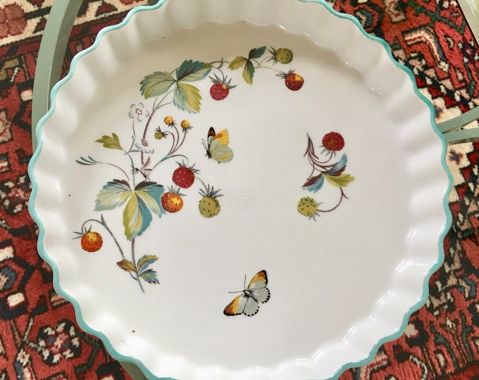 Royal Worcestershire Porcelain Strawberry Fields Crimped Edge Pie Plate Butterflies Vines Berries Turquoise Trim  England Vintage