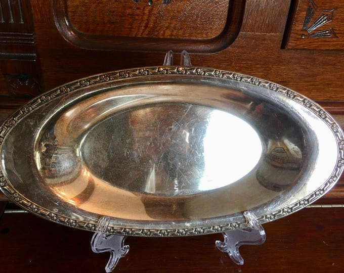 Oneida Vintage Silver Plate Primrose Oval Bread Tray Concave Plate Authentic Silver Tray Carved Detailing Rim Serving Dish