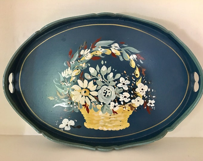 Vintage Williamsburg Blue Flower Basket Oval Wooden Tole Tray Hand Painted Signed Scalloped Sides Handles Wedding Basket Yellow White Red