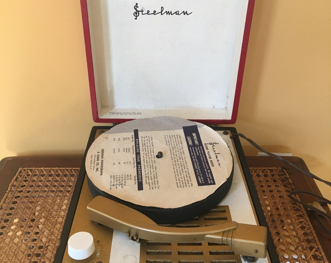 Mid Century 1950's Steelman Portable Record Player Phonograph Machine 33 45 78 Leather Covered Red and Black Bakelite Handle