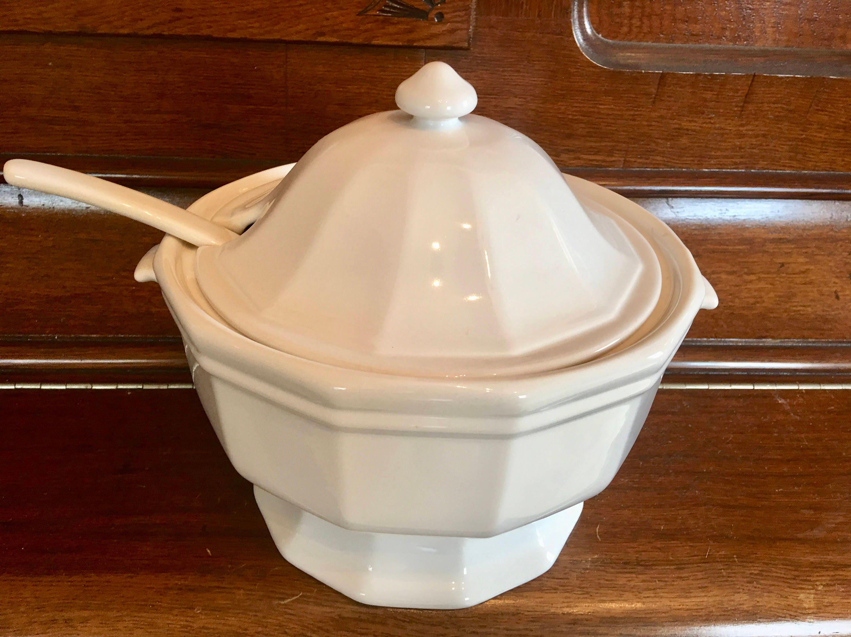 Vintage Pfaltzgraff Bone White Soup Tureen Ladle Lid With