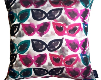 "Cateye Sunglasses Pillow Case- 16"" x 16"""