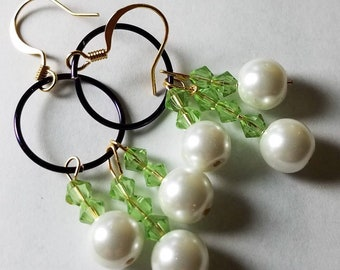 Spring Grass Pearl Earrings