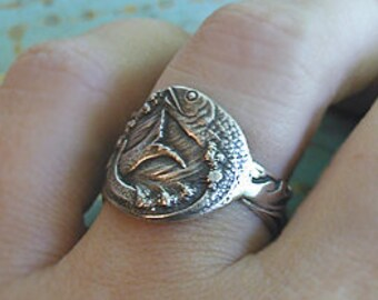 SIZE 5 Fish In Waves Amazing Ring Sterling Silver Wide Band From Rare Vintage Spoon Wonderful Pisces Gift Or Any Fish Collector