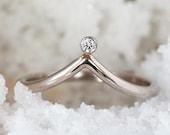 Diamond Chevron Ring, White Gold Wedding Band, 18k Palladium White Gold Curved Diamond Ring, Contour Wave V Ring