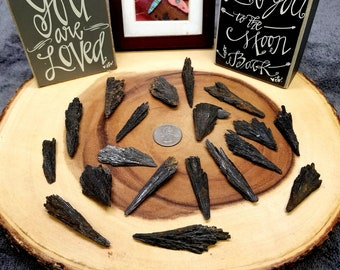 Medium BLACK KYANITE FAN --- Natural Gemstone Blade --- Medium Size --- Grade A
