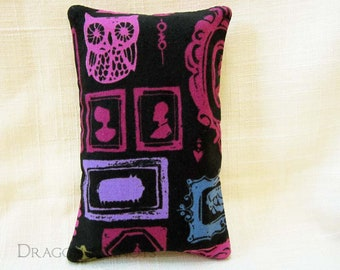 To-Go Tissue Holder - Portrait Gallery black and purple Halloween facial tissue cover