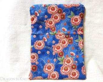 Blue Floral Book Sleeve with Zipper - M - padded zippered case for books - red pink chrysathemum flowers on medium blue
