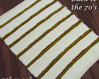 Handwoven Rug --- Back to the 70's --- 32x44