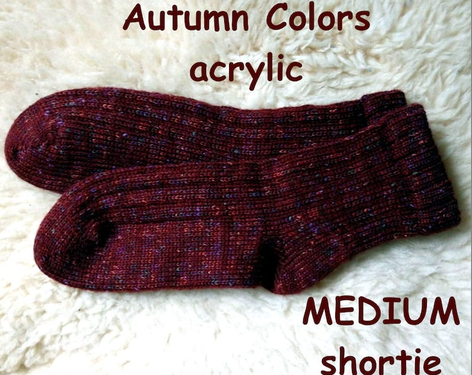 AUTUMN COLORS Socks --- washable acrylic nonallergenic -- MEDIUM shortie