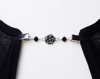 Cardigan clip chain - Silver flower and black bead sweater clip | Sweater fastening | Wrap holder | Cardigan guard