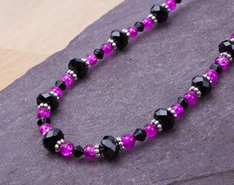 Pink and Black necklace - Bright cerise pink crackle glass and black bead necklace   Beaded jewelry   Colourful accessories  