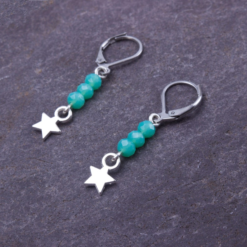 Star earrings  small green bead and silver star dangle image 0